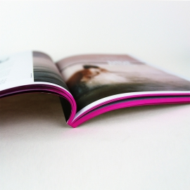 Brochure avec dorure sur tranche